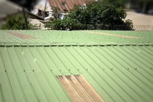 Ossature bois & bois de charpente - Bardage & clin - Ecrans sous-toiture et pare-pluie - Accessoires de toiture, charpente & bardage - Tôles aluminium & PVC - Tuiles
