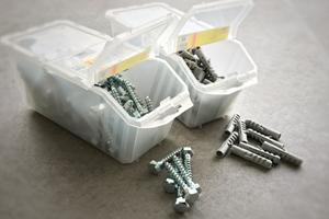 Nos produits en quincaillerie et sécurité : chevilles, vis, clous, quincaillerie d'ameublement, poignées, ferrures, serrures
