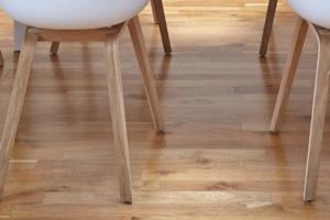 Parquets - Revêtements de sol stratifié - Planchers bois - Sous-couches & préparation - Plinthes - Barres de seuil - Colles & joints - Outillage parquet & stratifié